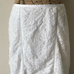 LOFT WHITE LACEY OVERLAY SEAMED PENCIL SKIRT